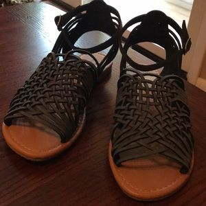 NWOT Cityclassified Sandals